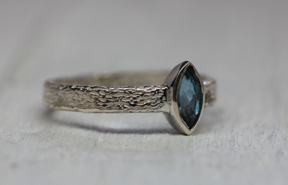 Royale Majestic Ring || Silver Apatite