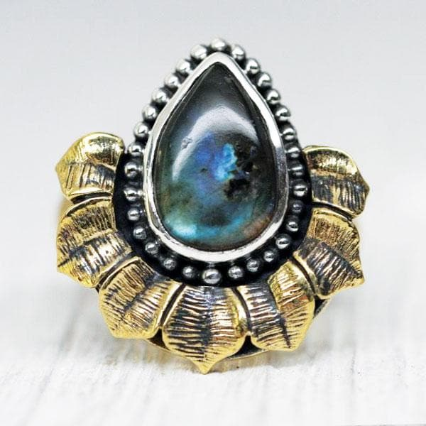 Lotus Ring - Labradorite