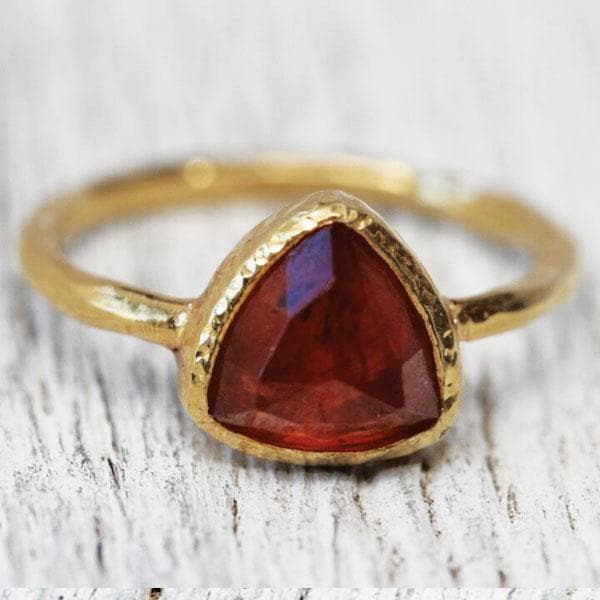 Cinnamon Stone Ring : Petit Pyramid