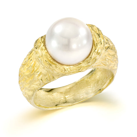 18karat gold natural pearl ring handmade by master goldsmith in Italy