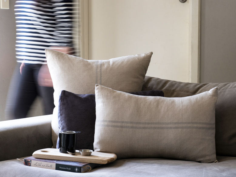 Cushion Favourite Grey