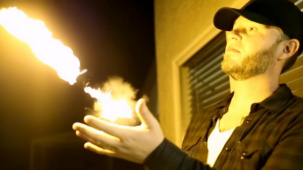 PYRO mini – Shoot Fireballs From Your Wrist!