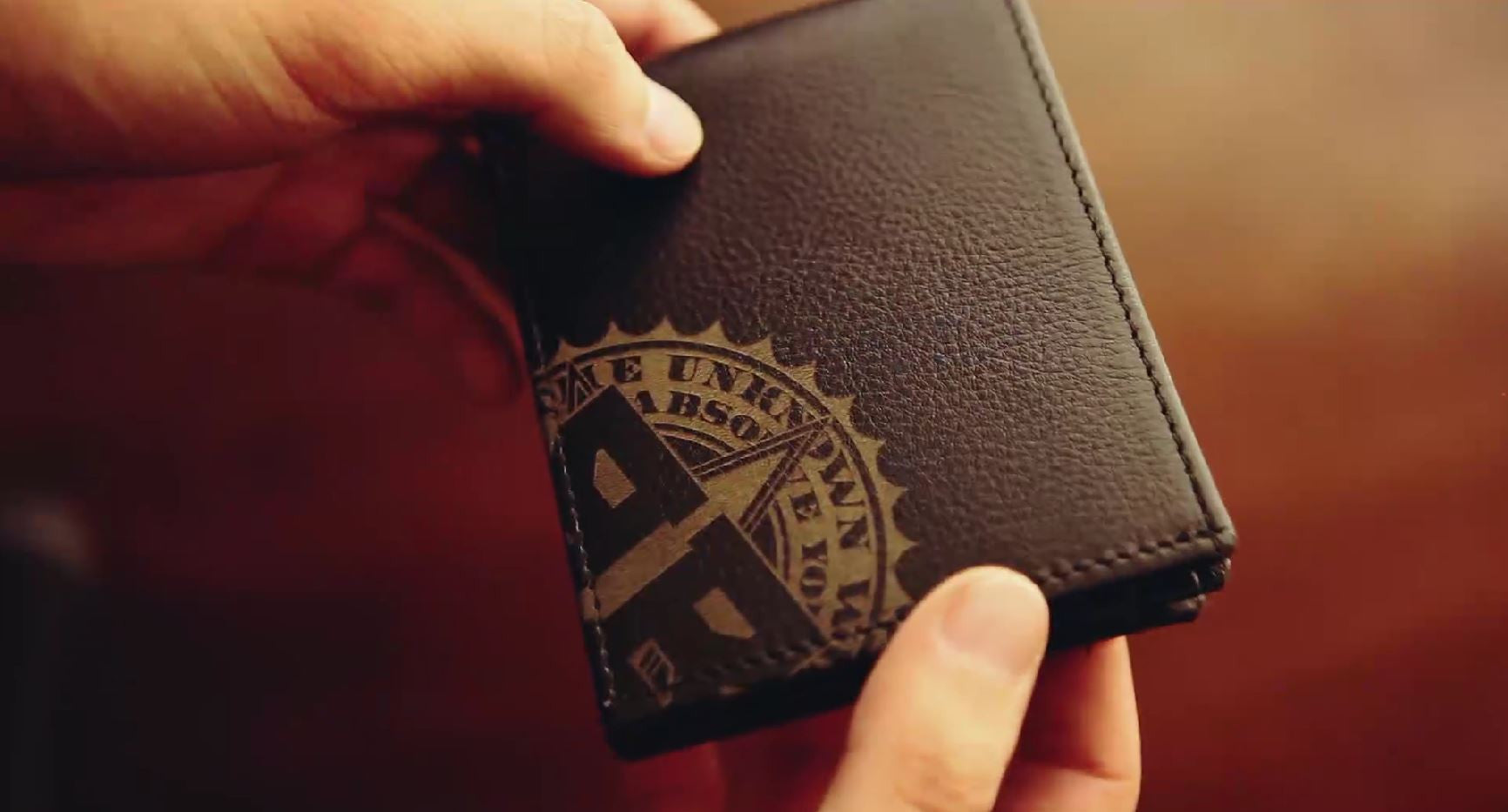 The Rogue S Wallet The Best Magic Trick Wallet