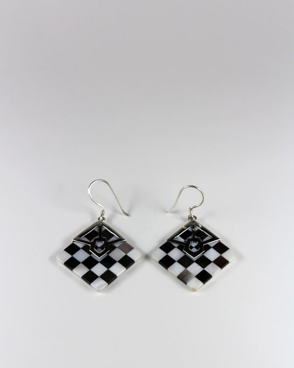 Silver Check Shell Rhombus Earring