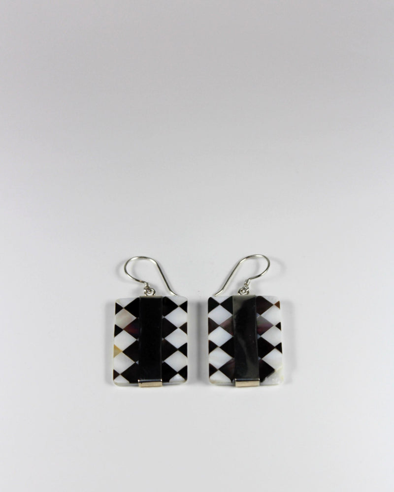 Silver Check Shell Square Line Earring