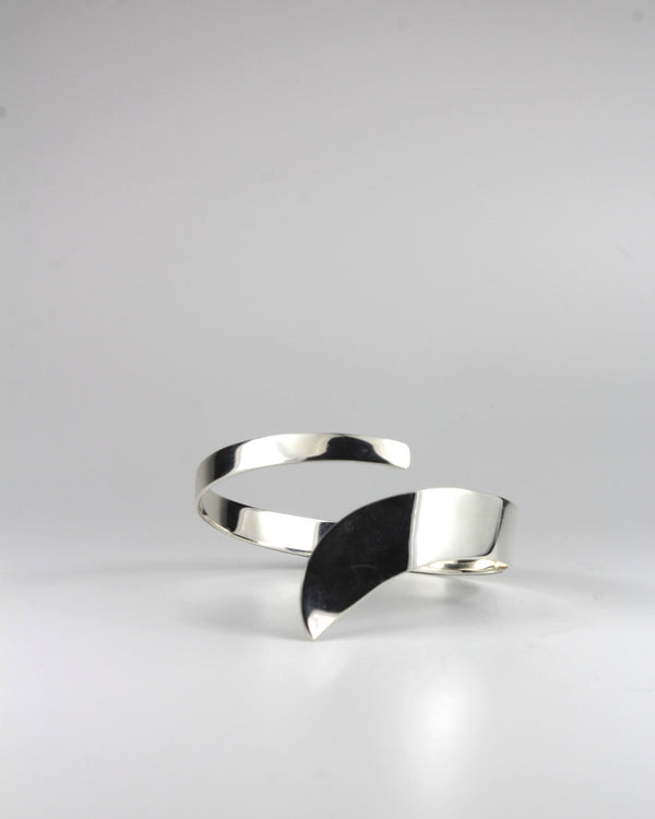 Silver Flowing Bangle