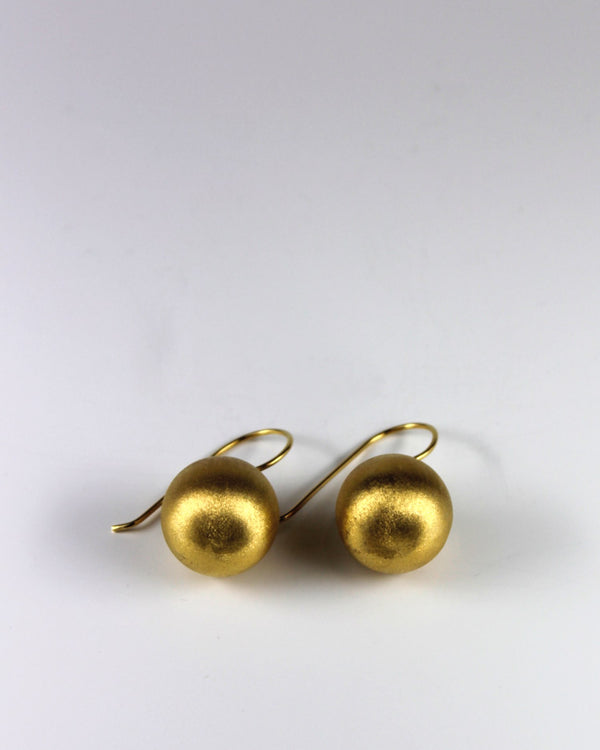 Gold Round Matt Earring