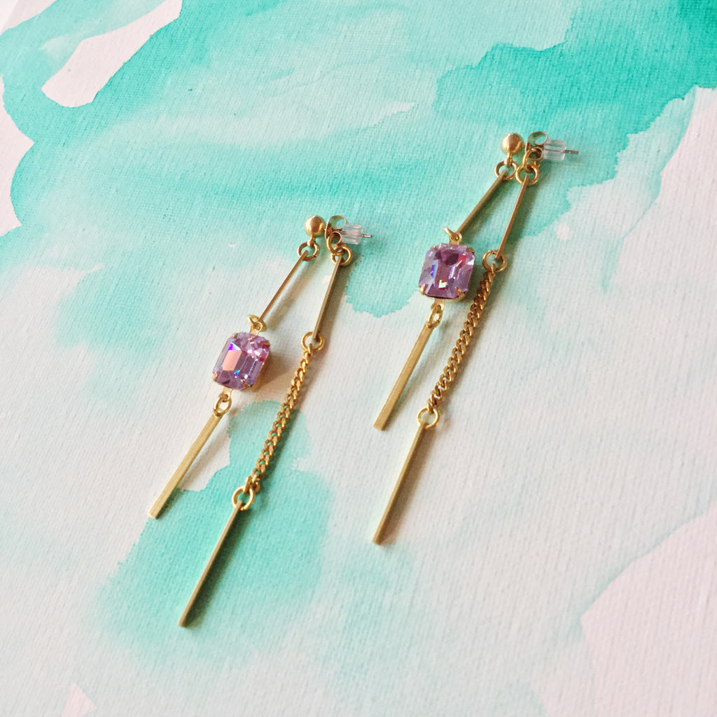 Swinger Earrings: Lilac Vintage Set Glass