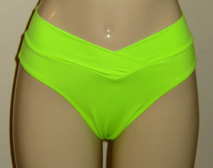 Crisscross Bottom. Bikini bottom with criss cross band