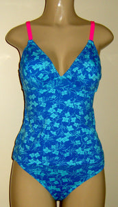 V-Neck underwire tankini top and Timeless Bikini Bottom