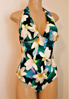 Plus size swimsuits with tying neck