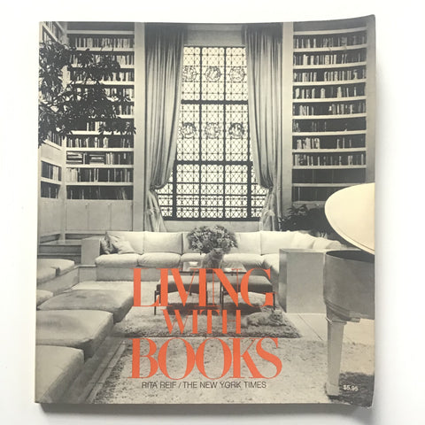 Living with Books : 118 Designs for Homes and Offices