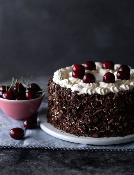 Black forest gateau Christmas cake box