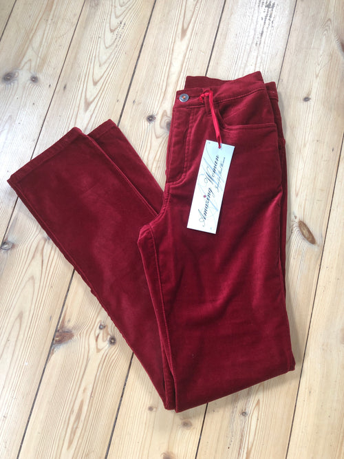 Amazing Woman Velvet Straight Leg Jeans in Red
