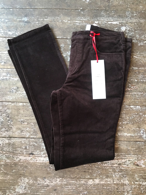 Amazing Woman Velvet Straight Leg Jeans in Chocolate Brown