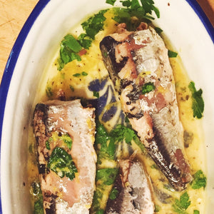Sardines in olive oil marinating - Donostia Foods