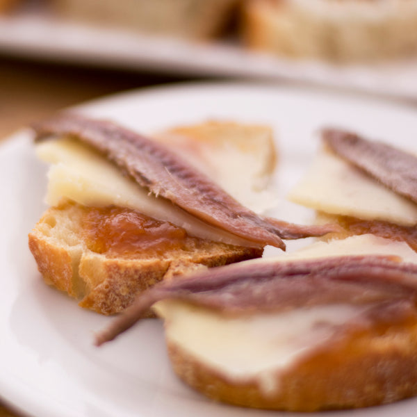 Cantabrian anchovies with Manchego Cheese and Apricot Jam - Donostia Foods
