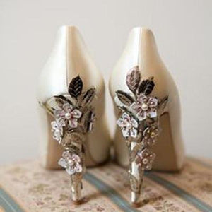 Who doesn't love wedding shoes ?