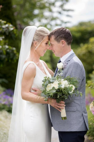 Real bride Sinead wears Jodie Earrings