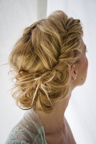 Top 5 bridalwedding hairstyles for 2013 julesbridaljewellery either of these buns which are extremely simple to do up yourself are a very classy look the ballerina bun could be a little messy for the boho solutioingenieria Image collections