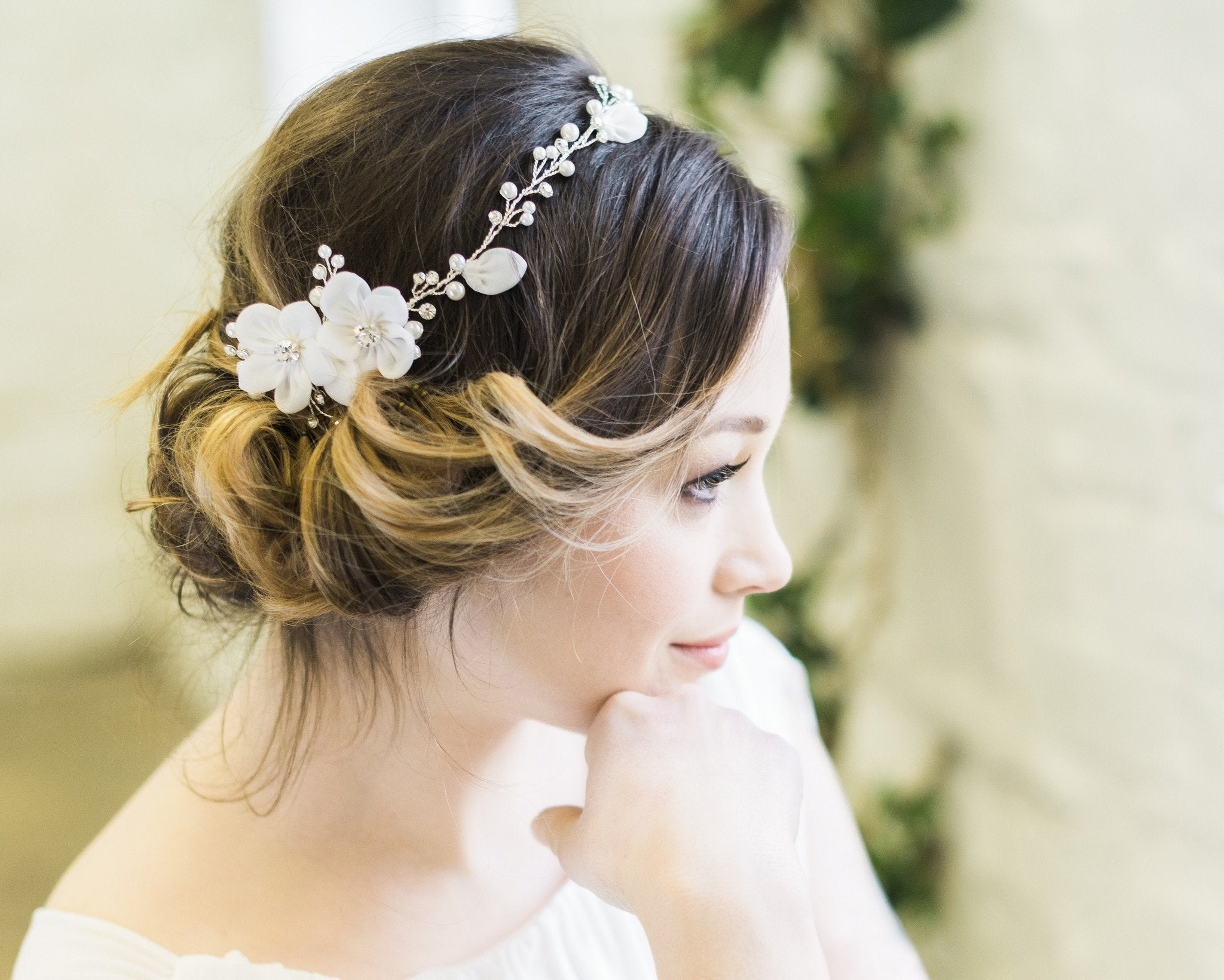 Delicate Floral and Crystal Hair Vine, Lorna