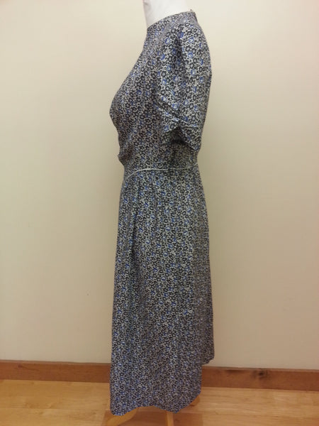"German Traditional Look Dress w/ Buttons in Back <br> (B-40"" W-32"" H-48"")"