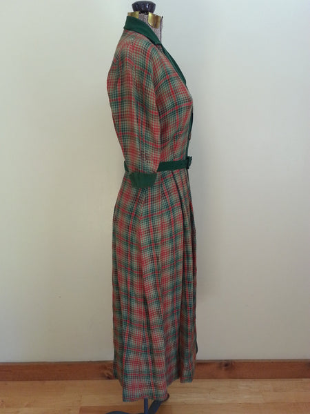 "Red and Green Plaid Dress <br> (B-37"" W-26""--)"