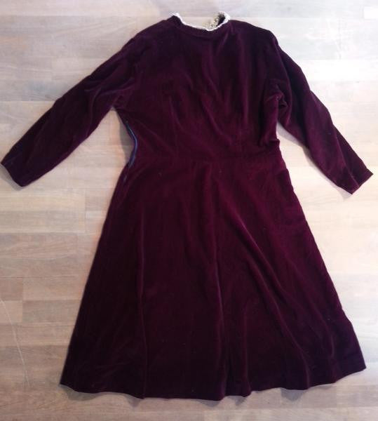 "German Dark Red Velvet Dress with Lace Collar <br> (B-44"" W-36"" H-47"")"