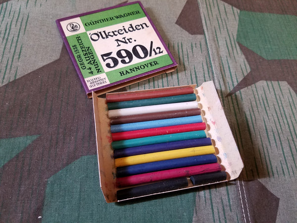 Original Box of 12 Crayons Günther Wagner Pelikan
