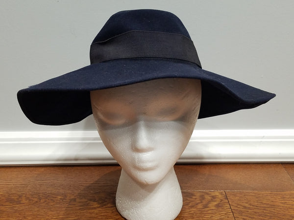 Vintage 1940s dark blue felt wool hat