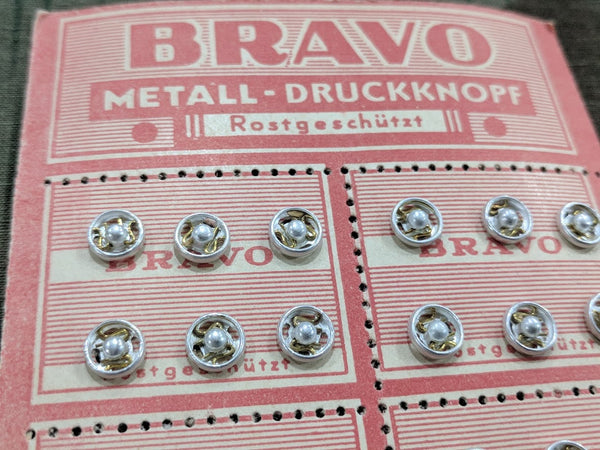 Bravo German Snaps on Original Card