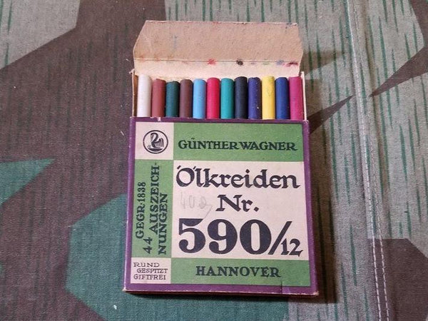 Original WWII-era German Box of Crayons Günther Wagner Pelikan