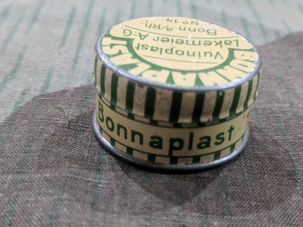 Tiny Bonnaplast Bandage Tin