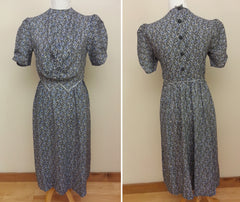 Vintage 1930s / 1940s German Dress w/ Buttons in Back -Traditional Look