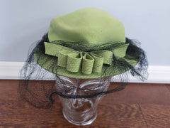 Vintage 1930s 1940s Green Tilt Hat with Black Netting