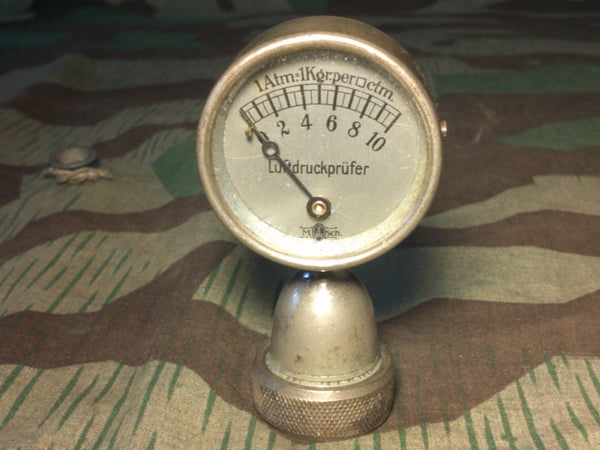 Vintage 1930s German Tire Pressure Gauge