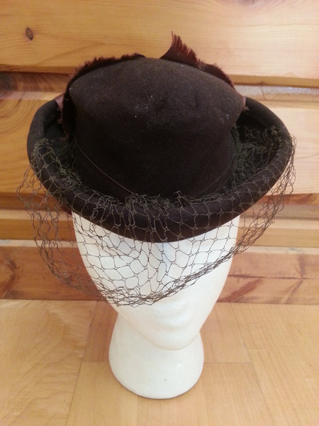 Vintage 1940s Brown Tilt Hat