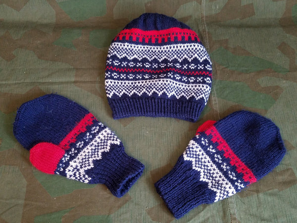 Vintage 1940s German Knit Mittens and Hat Set