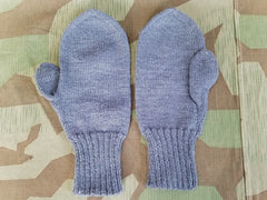 Vintage 1940s German Large Size Blue Gray Knit Mittens