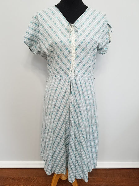 Vintage 1940s Light Blue Flower Stripe Dress Plus Size
