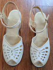 Vintage 1940s White Peep-Toe Sandals Shoes