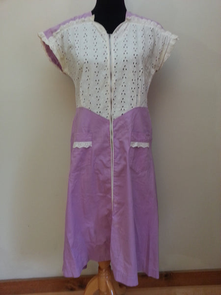 Vintage 1940s White and Lavender Zipper Front Dress