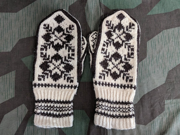 Vintage Brown and Cream Colored Mittens