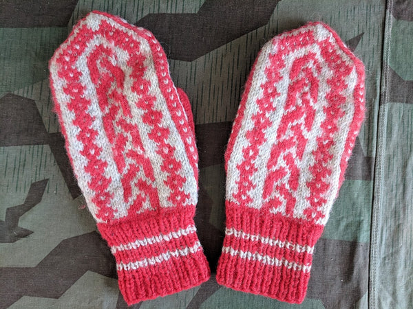 Vintage Red and White Knit Mittens