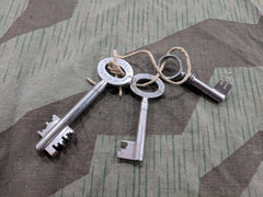 Vintage WWII-era German 1930s Skeleton Keys - Federlos D.R.G.M.