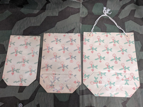 Set of 3 Christmas Bags (Different Sizes, 1 w/ Carrying Handle)