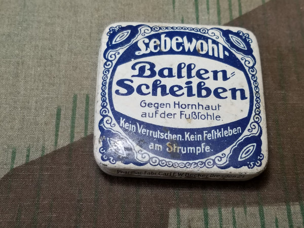 WWII-era German Ballen Scheiben Foot Callus Bandage Tin