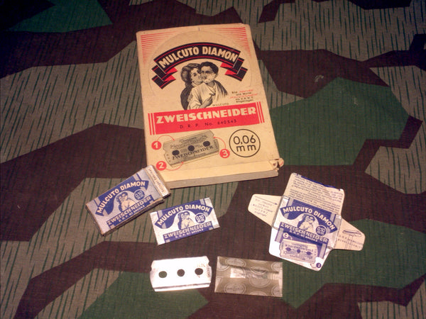 WWII German Mulcuto Diamon Razor Box w/ 1 Packet of Razors