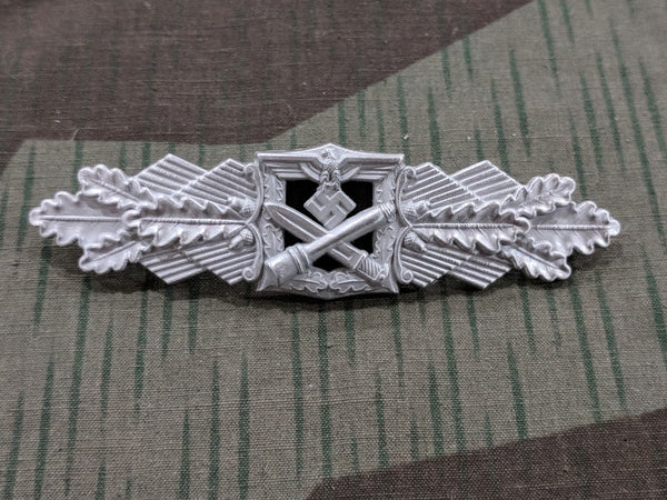 WWII German Reproduction Close Combat Clasp in Silver