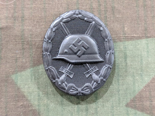 Repro Wound Badge in Black